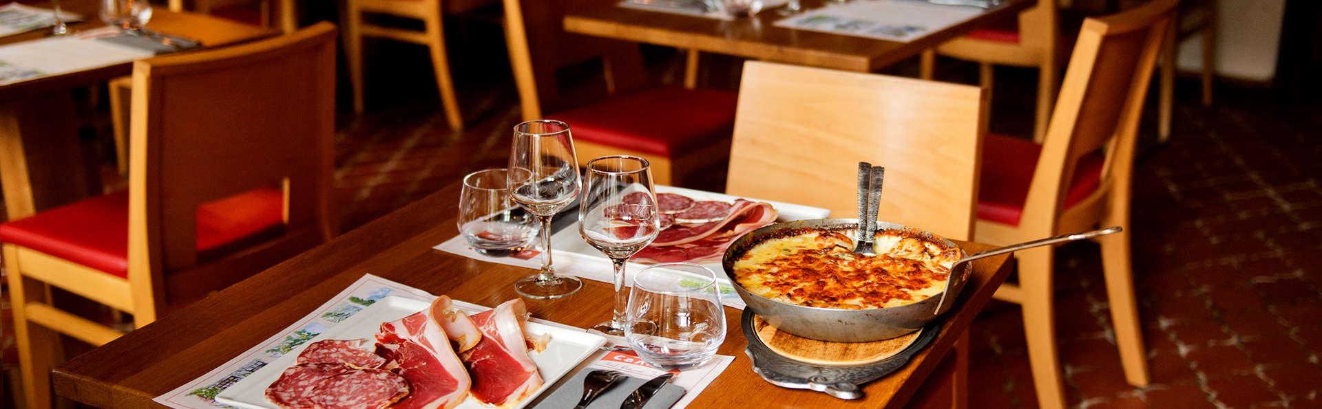 Auberge le Cantou - Edit_Restaurant2.jpg