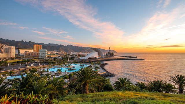 Descubre la capital de Tenerife en un magnífico hotel en pleno centro de Santa Cruz