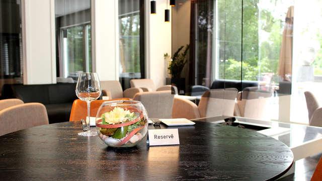 Disfruta de una cena de 3 platos en la histórica ciudad de Brujas (desde 2 noches)