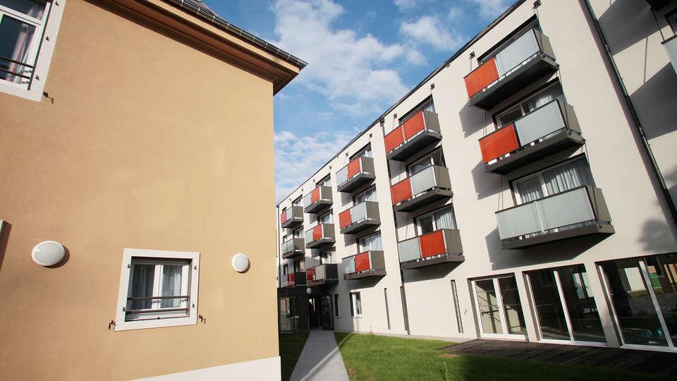 Appart'hôtel Odalys La Rose d'Argent - EDIT_exterior.jpg