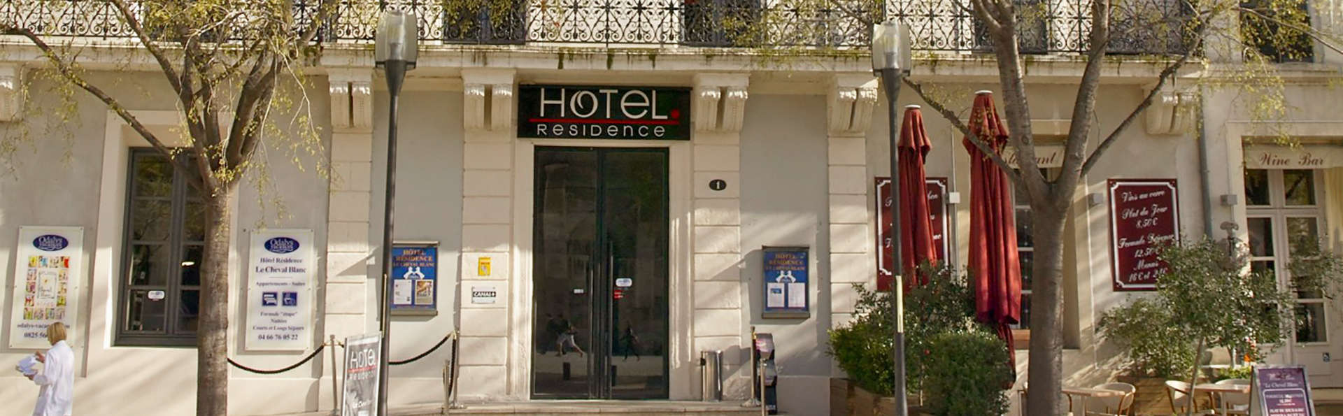 Appart 39 h tel odalys le cheval blanc 3 nimes francia for Appart hotel nimes