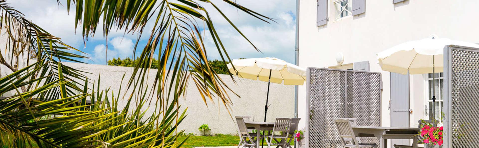 Appart'hôtel Perle de Ré - EDIT_exterior.jpg