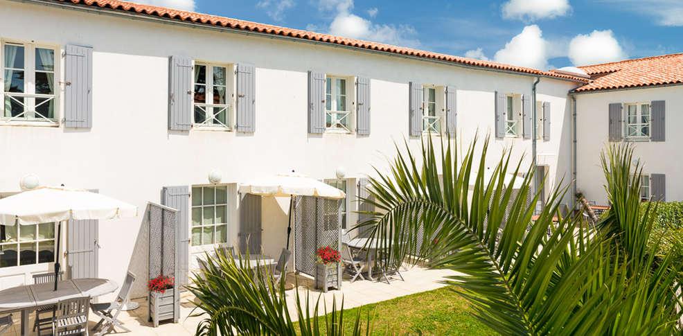 Appart 39 h tel perle de r 3 la couarde sur mer france for Appart hotel bretagne sud