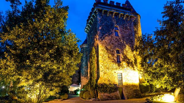 Verblijf in een kasteel in de natuur dicht bij Clermont-Ferrand