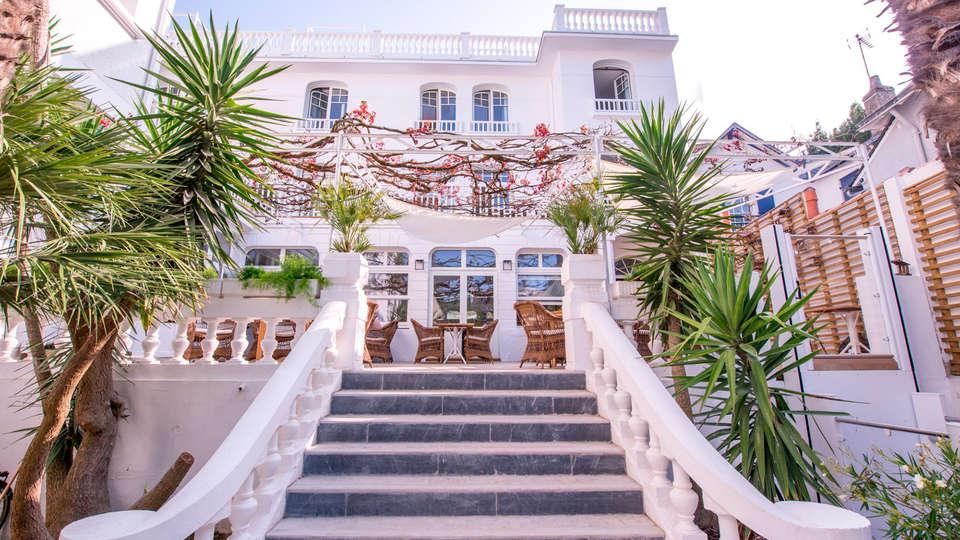 Hôtel La Palmeraie - EDIT_exterior.jpg