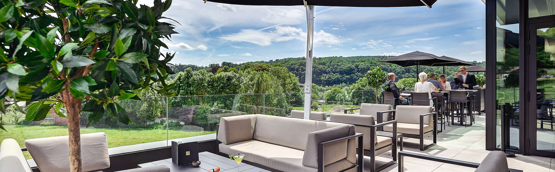 R hotel experiences - EDIT_NEW_terrace.jpg