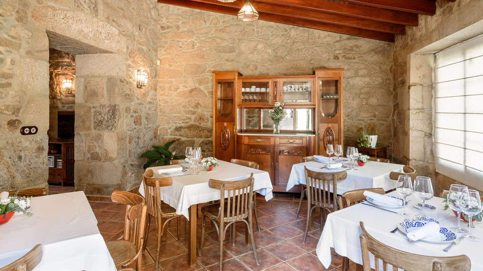 Casa Costoia - edit_restaurant2.jpg