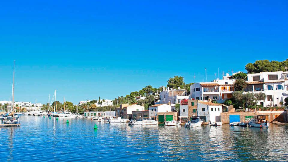 Blue Sea Es Bolero - EDIT_destination.jpg