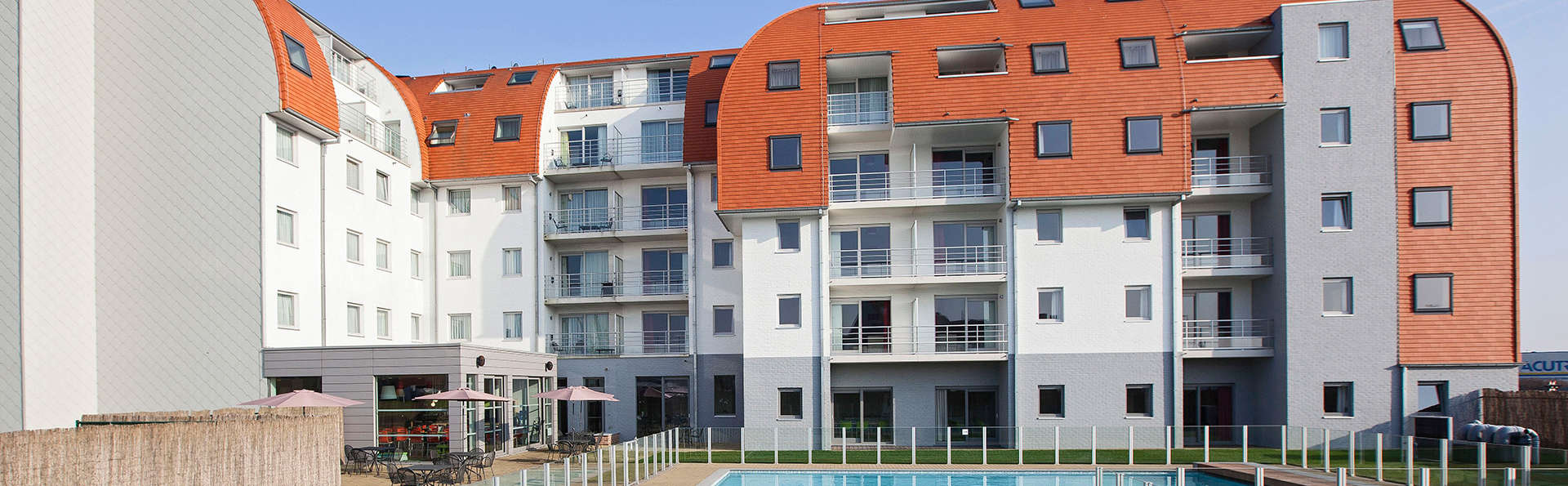 Holiday Suites Zeebrugge - EDIT_NEW_front.jpg