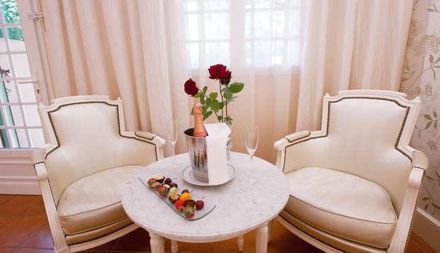 Escapade romantique avec hydromassage en duo dans un hôtel 5* près d'Avignon