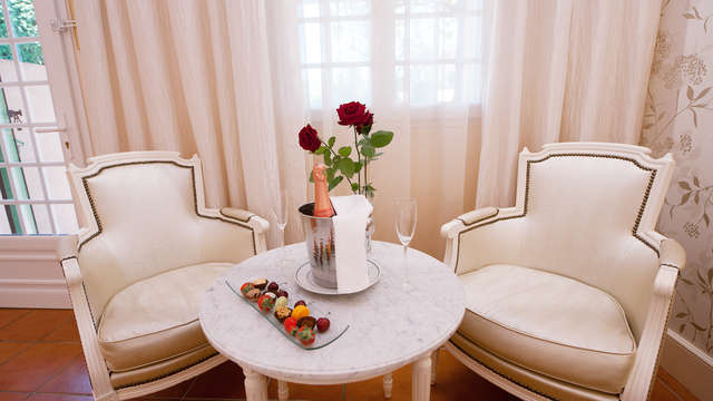 Escapada romántica con hidromasaje en pareja en un hotel 5* cerca de Aviñón