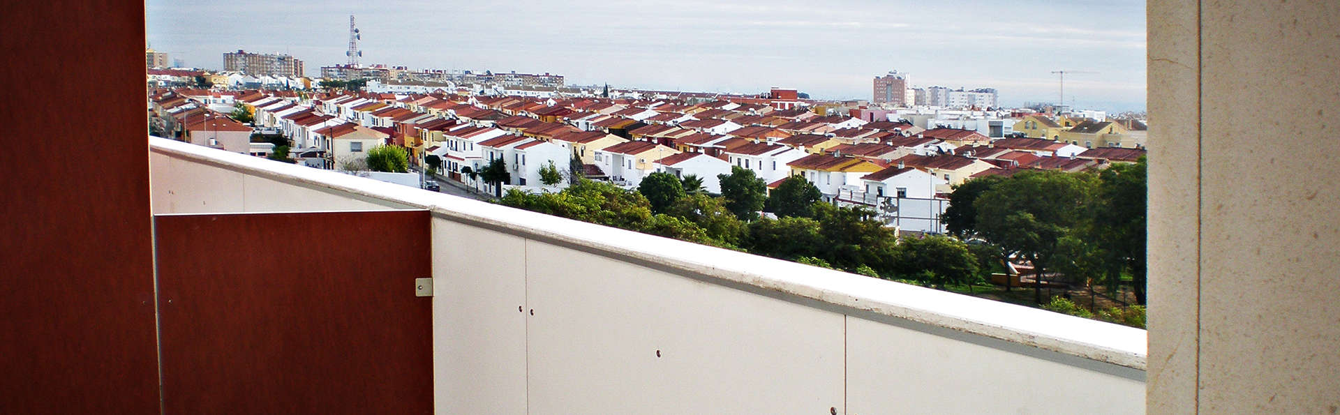 Apartamentos ELE Domocenter - edit_Balcon_apartamento.jpg