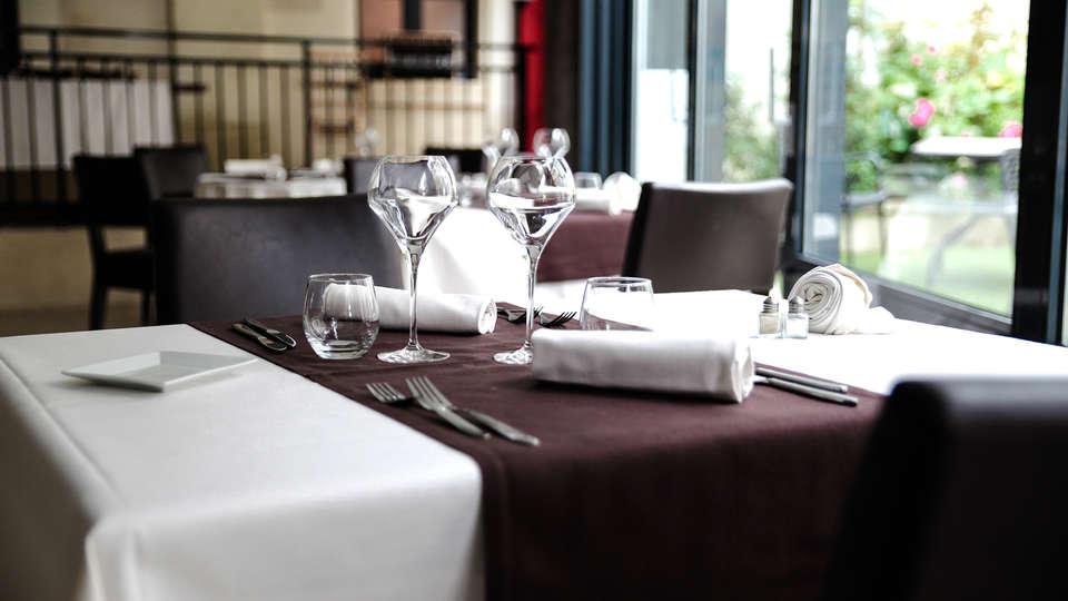 Hôtel & Spa du Domaine des Thômeaux, The Originals Relais (Relais du Silence) - EDIT_NEW_restaurant.jpg