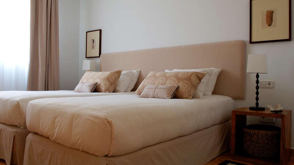 Las Lomas Village - edit_new_Apartments---bedroom-2.jpg