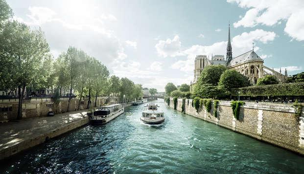 Todos los rincones de París surcando las aguas del Sena