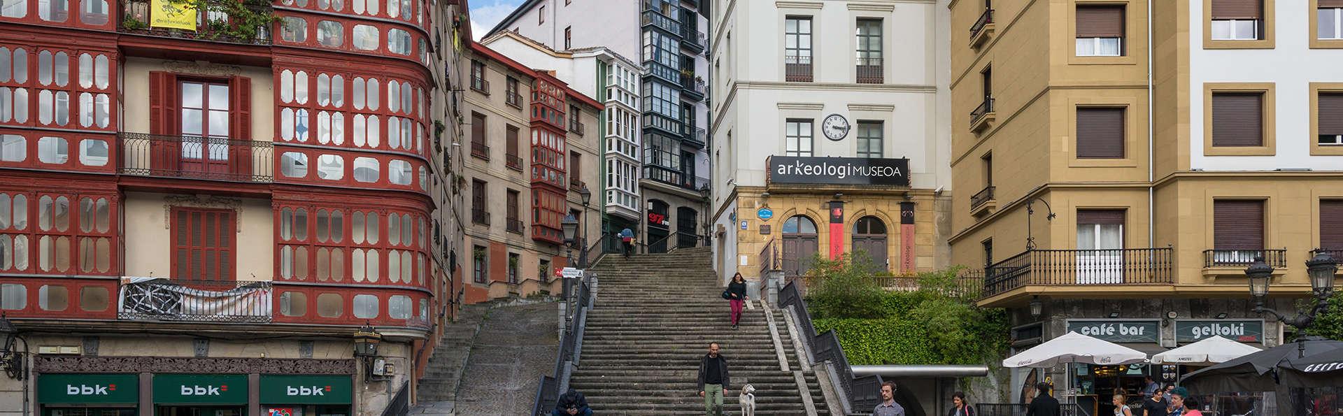 Hotel Puerta de Bilbao - Edit_bilbao.jpg