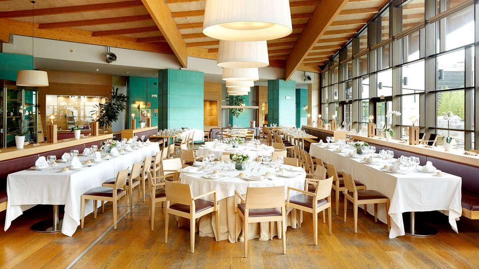 Hotel Puerta de Bilbao - Edit_Restaurant2.jpg