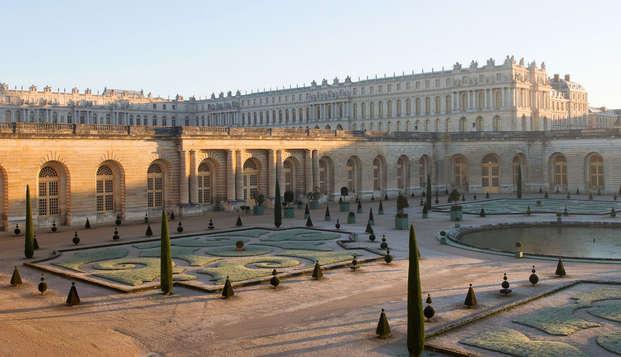 Escapada a París con entrada al Palacio de Versalles y a las Grandes Aguas Musicales (pase de 1 día)