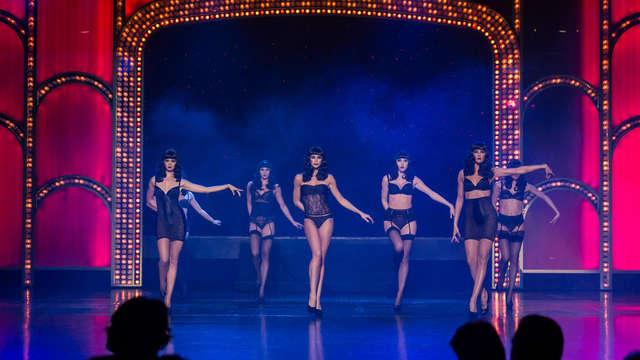 Escapada a París a dos pasos del Moulin Rouge con entrada para el espectáculo del Lido