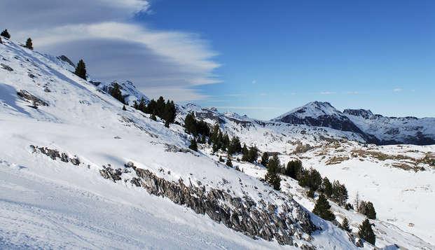 Descubre Ordino: Escapada con cena en un hotel de diseño rodeado de montañas