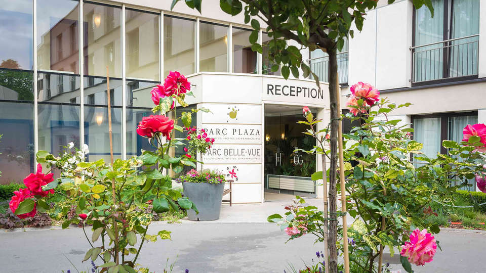 Hotel Parc Plaza - Edit_Front3.jpg