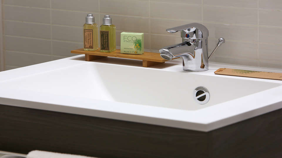 BEST WESTERN Hôtel Gap - edit_bathroom.jpg