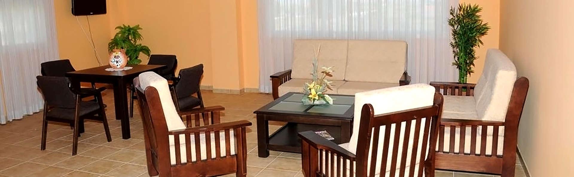 Hotel Sostenible La Laguna (inactif) - Edit_Hall.jpg