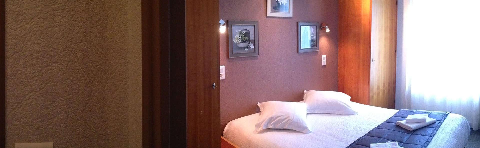 Hôtel de l'Aviation - EDIT_room9.jpg