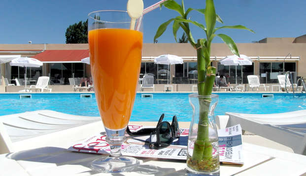 Sure Hotel by Best Western Aix Sainte Victoire - Pool