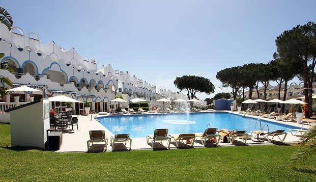 Disfruta de Marbella en un apartamento superior y con acceso a la zona relax