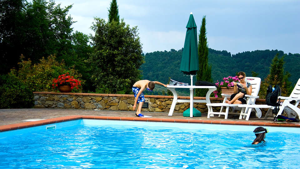 Fattoria Castello di Starda - EDIT_pool.jpg