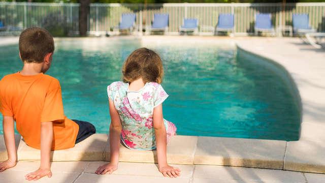 1er enfant gratuit et 2ème enfant à 50% du prix d'un adulte (à régler directement à l'hôtel)