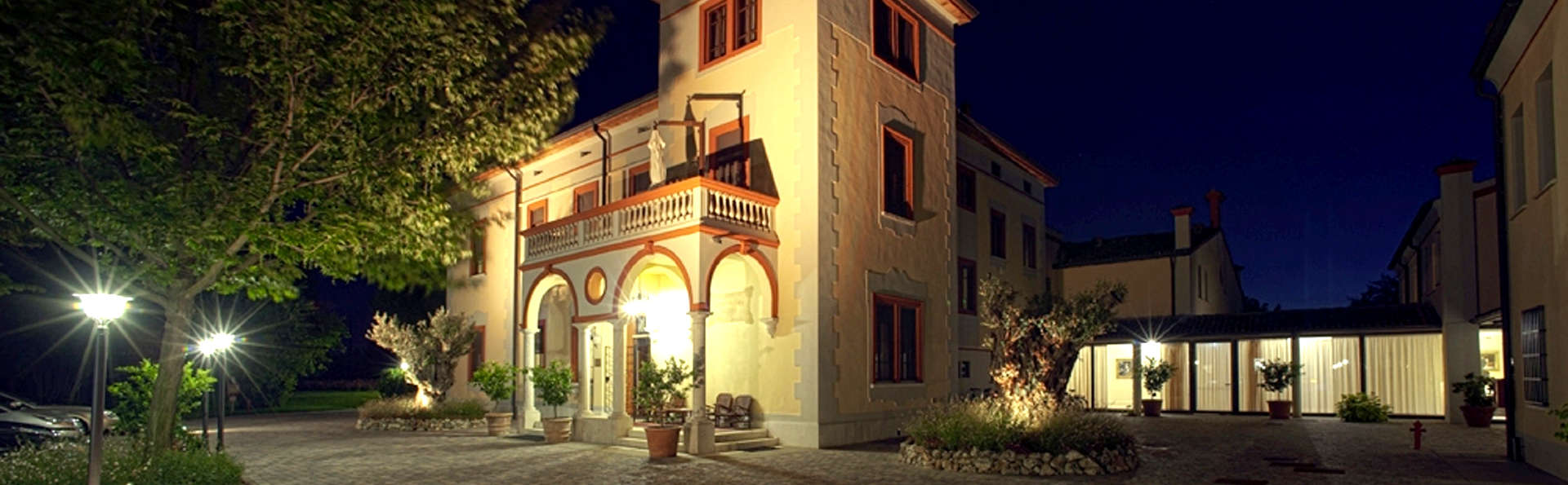 Hotel Villa Dei Tigli 920 Liberty Resort - Edit_Front.jpg