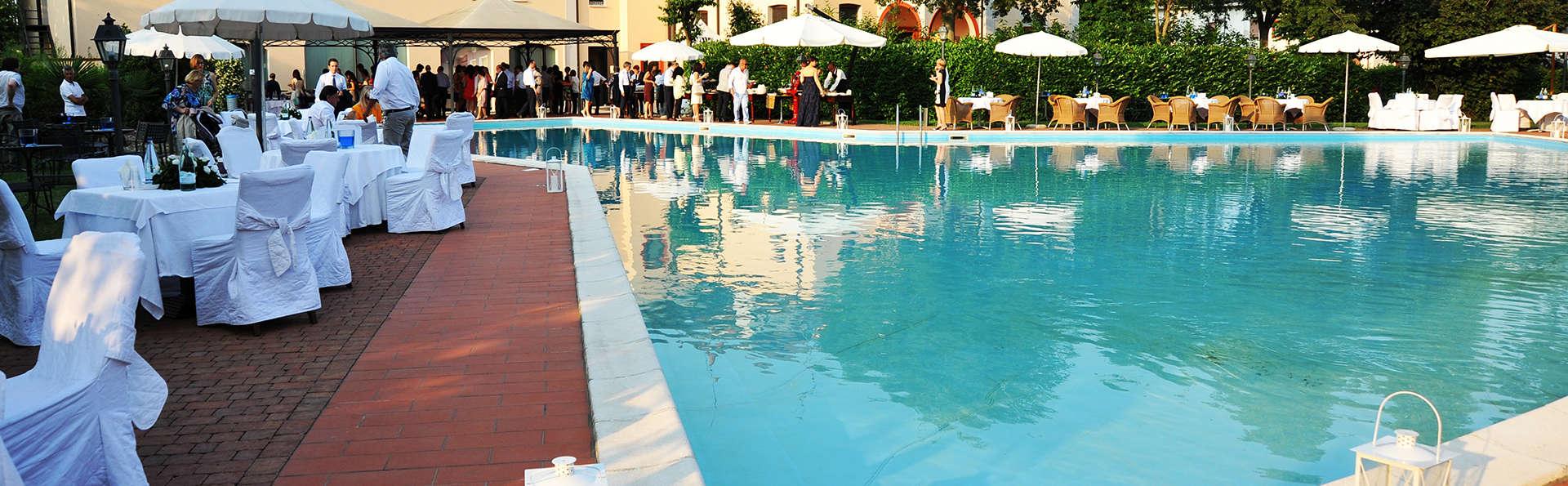 Hotel Villa Dei Tigli 920 Liberty Resort - Edit_Pool.jpg