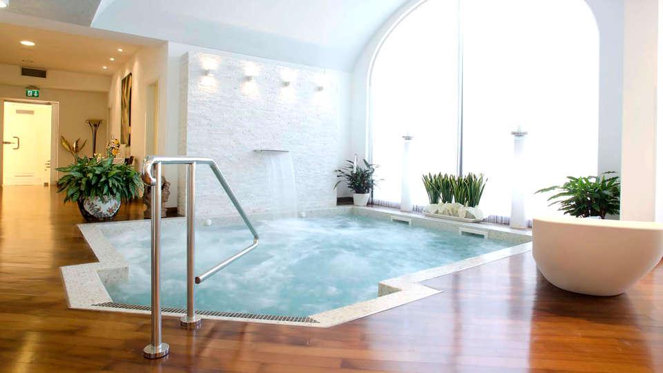 Hotel Villa Dei Tigli 920 Liberty Resort - Edit_spa2.jpg