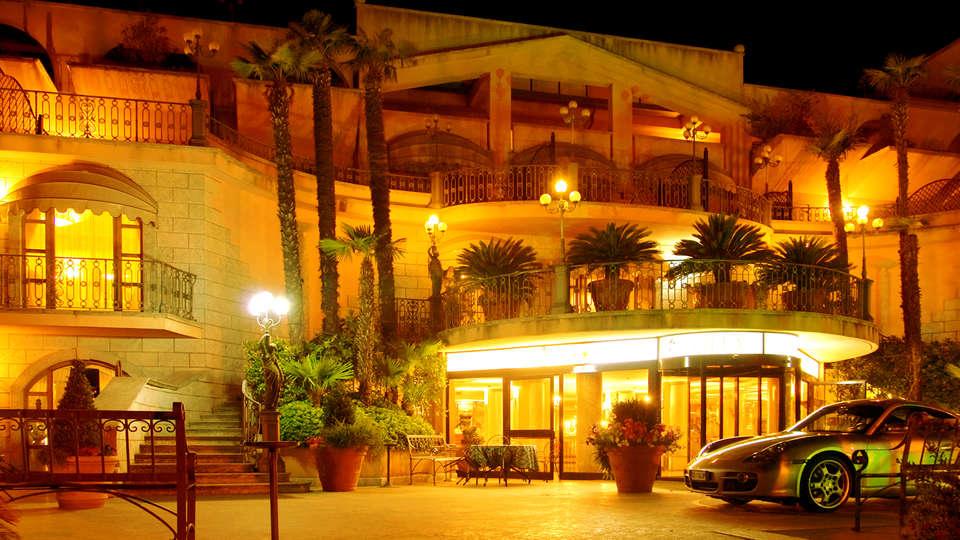 Hotel Villa Afrodite - Edit_Front.jpg