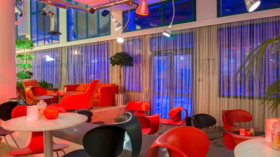 Best Western Plus Masqhotel - EDIT_bar.jpg