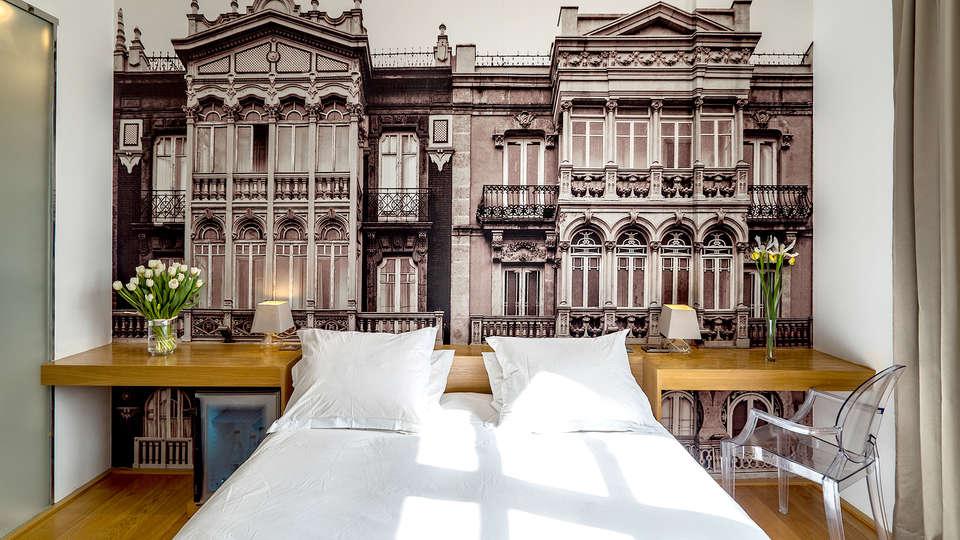 Aire Hotel & Ancient Baths  - Edit_Room2.jpg