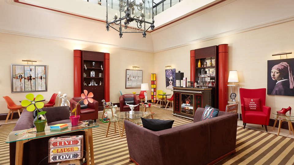 Hôtel Waldorf Trocadéro - EDIT_salon1.jpg