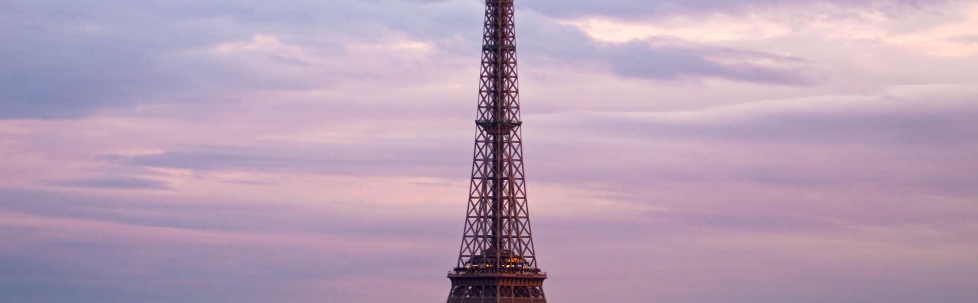 Week-end romantique avec champagne près de la Tour Eiffel