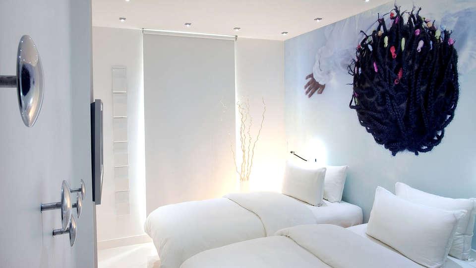 BLC Design Hôtel  - Edit_Room8.jpg