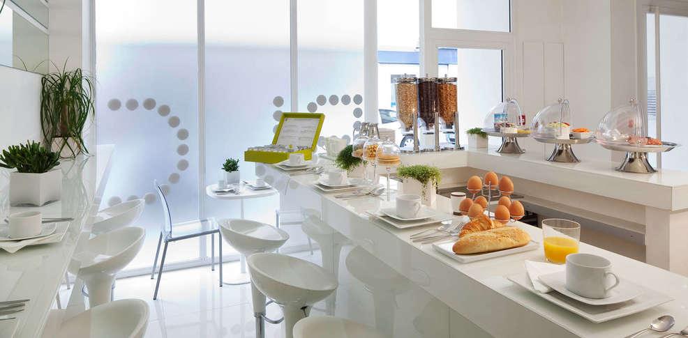 Blc design h tel 3 parijs frankrijk for Hotel design wallonie
