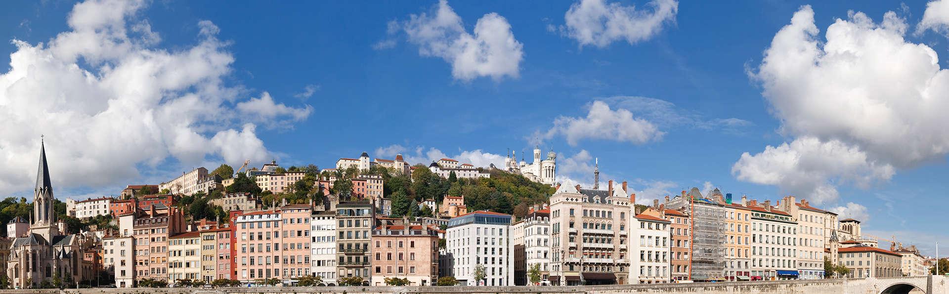 Charme avec champagne au cœur de Lyon