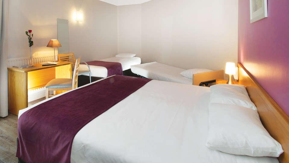 Brit Hotel Les Alizés - EDIT_Room_1.jpg