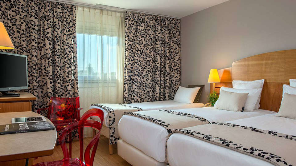 C Suites - EDIT_room11.jpg