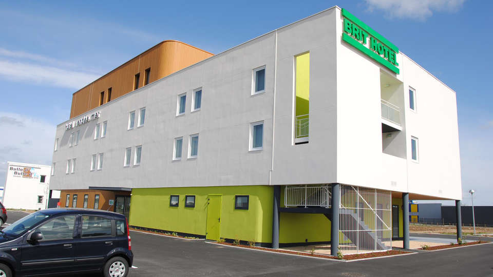 Brit Hôtel Vendée Mer - EDIT_front2.jpg