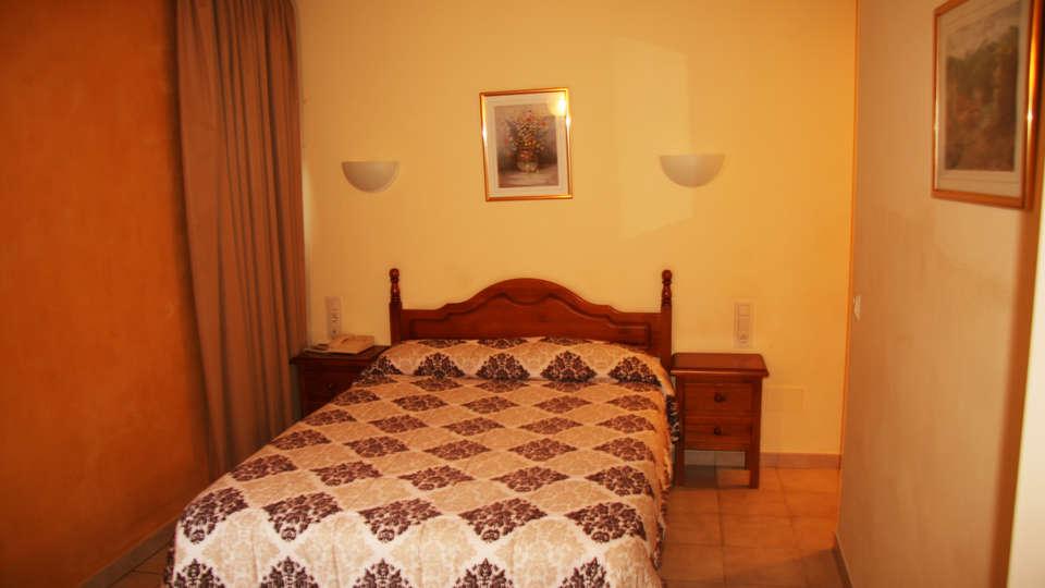 Hotel Sucara - EDIT_NEW_room1.jpg