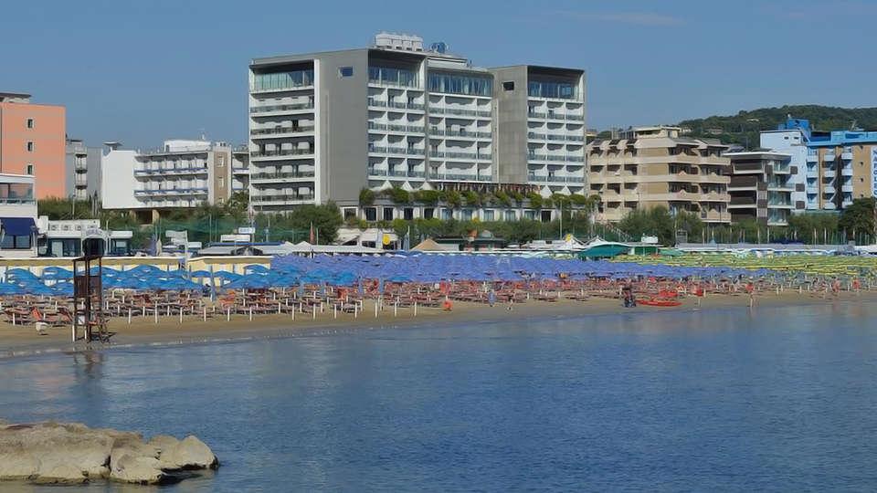 Uappala Hotel Cruiser - Edit_Front.jpg