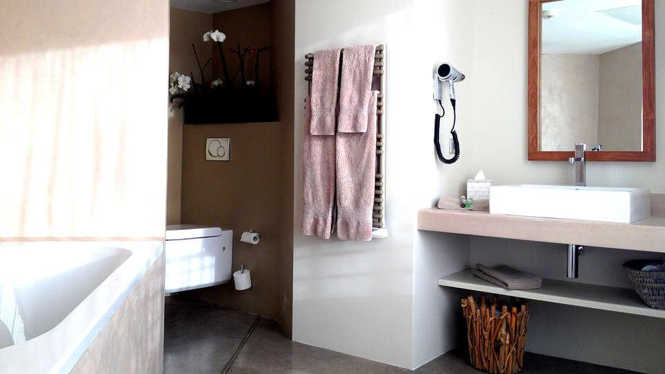 Cannes Villa St Barth - Edit_Bathroom.jpg