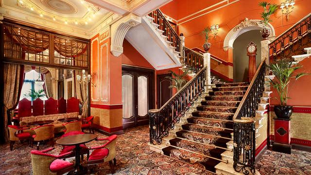 Luxe en elegantie met een high tea en 5* verblijf in Den Haag